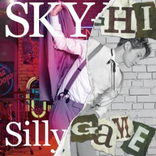 將SKY-HI(AAA日高光啓)2個小時半的現場表演濃縮為4分鐘「Silly Game」的新歌MV終於解禁