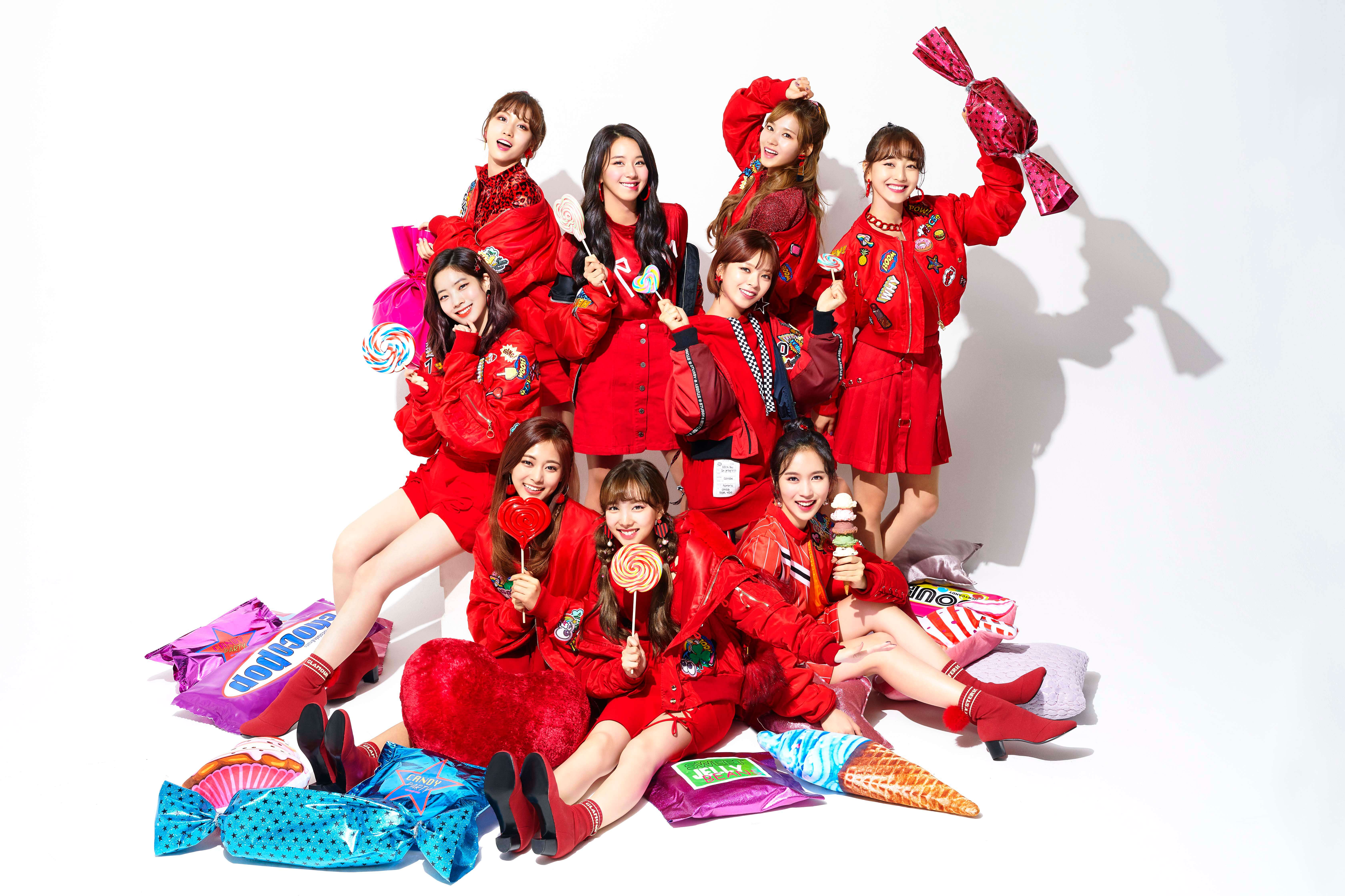 Aph_TWICE_CandyPop_All_Main