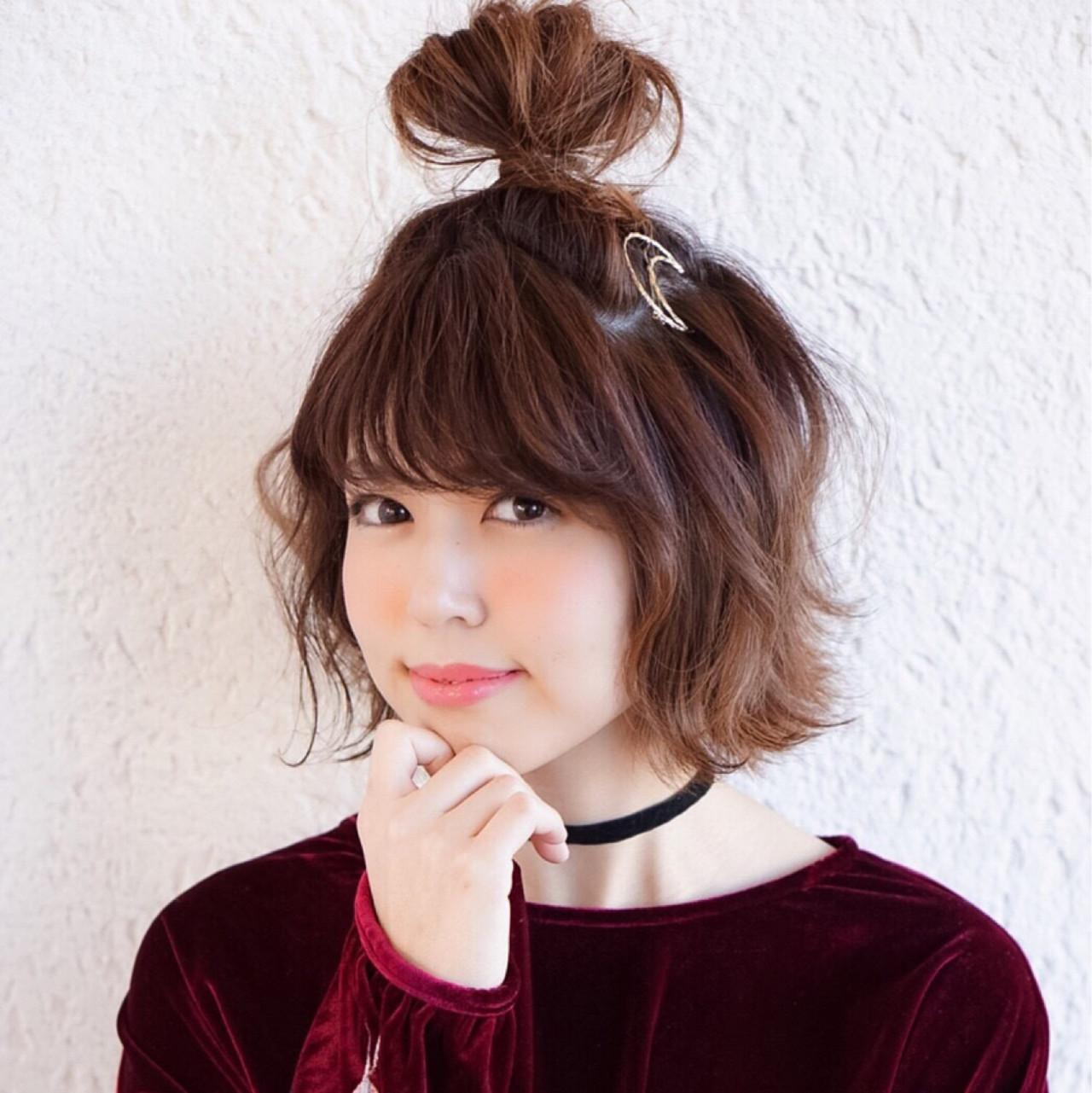 利用「丸子頭×外翹造型」來打造小臉♡  小諾莉
