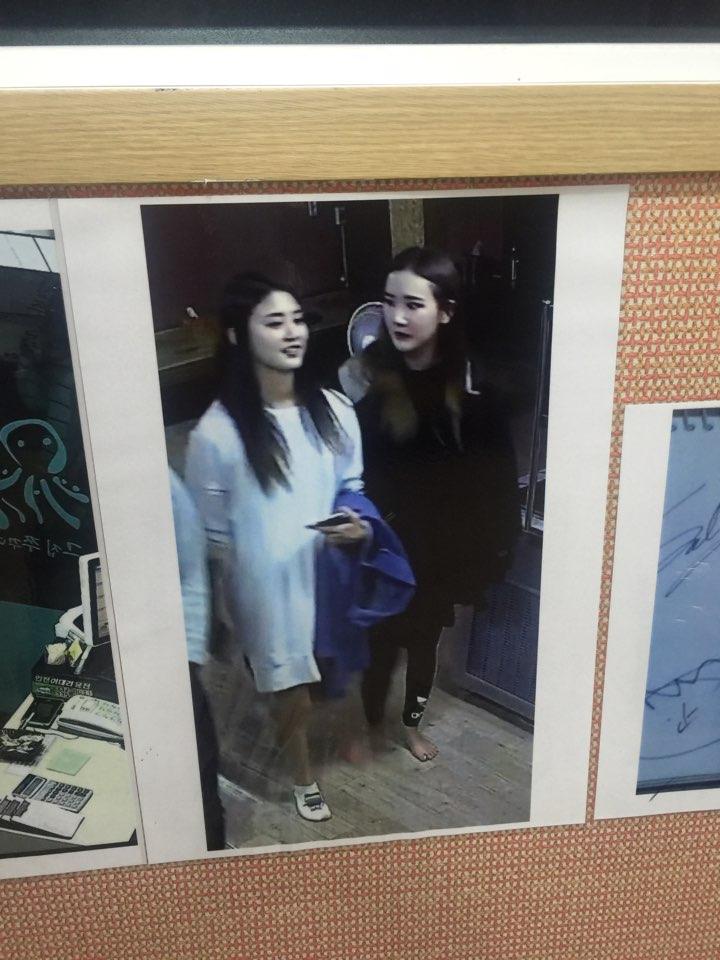 这位老板也太有sense了?!EXID的监视器照片挂在餐厅墙壁上的原因